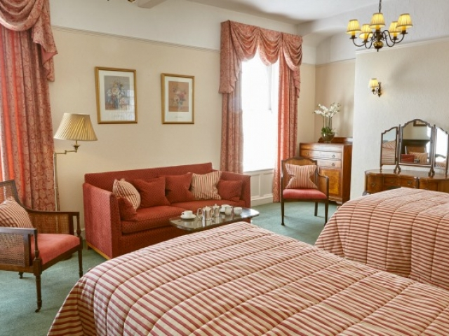 Superior sea view twin bedroom, Sidmouth